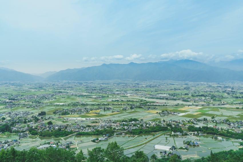 中信アスナがある松本盆地の様子